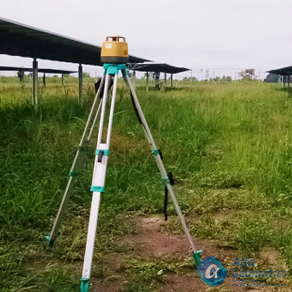 Apoyo topográfico de nivelación en plantas solares Alfa Geomatics